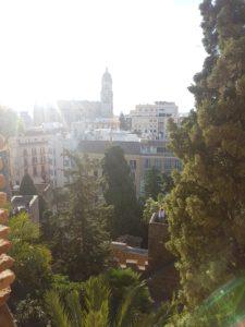 Blick aus der Alcazaba in Malaga auf die Altstadt